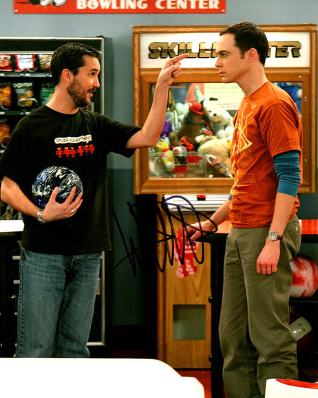 Wil Wheaton SIGNED photo: Bang Theory pointing at Sheldon